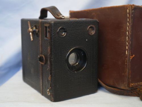 * CASED * Zeiss Ikon Box Tengor Vintage Box Camera   £8.99